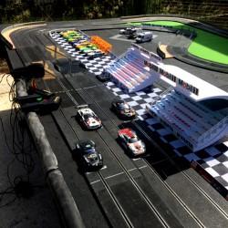 Circuit de voitures électrique Slot racing