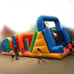 Parcours gonflable géant